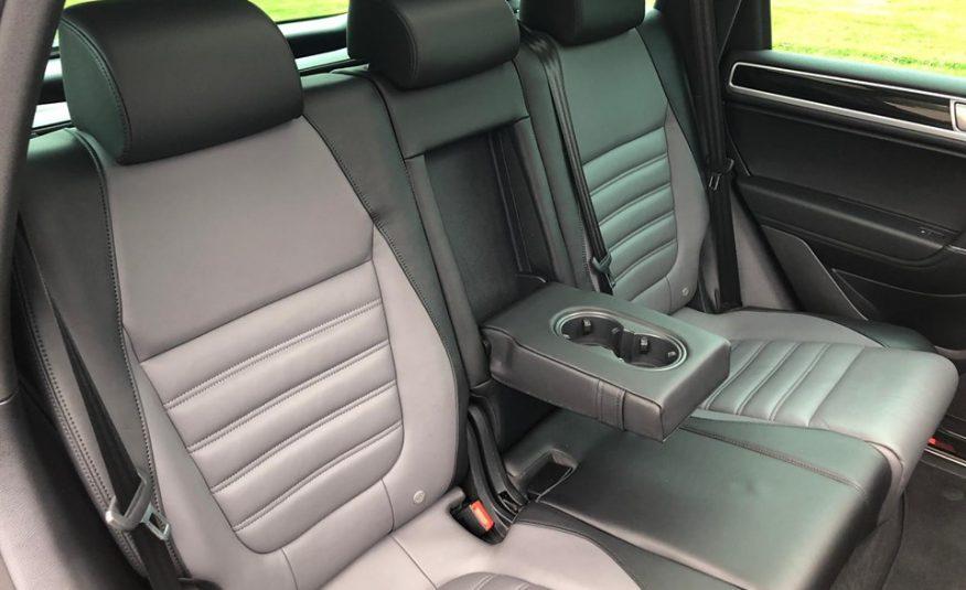2016 R-LINE Volkswagen Touareg ( SOLD)