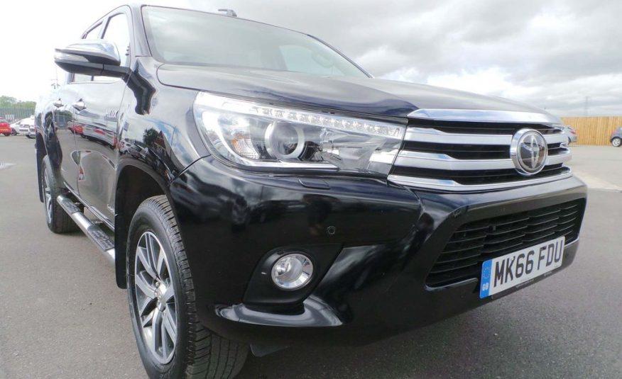 ( CIF £22,500 )2016/ October Toyota Hilux 2.4 D-4D Invincible Double Cab Pickup Auto 4WD EU6 4dr (TSS)