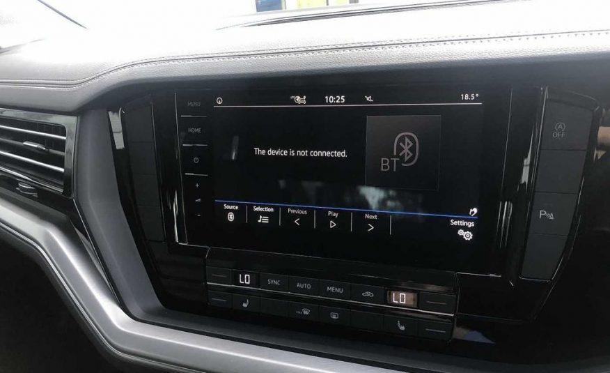 ( £35,000 CIF ) 2018/December Volkswagen Touareg 3.0 TDI SCR 231PS 4MOTION SEL 5dr